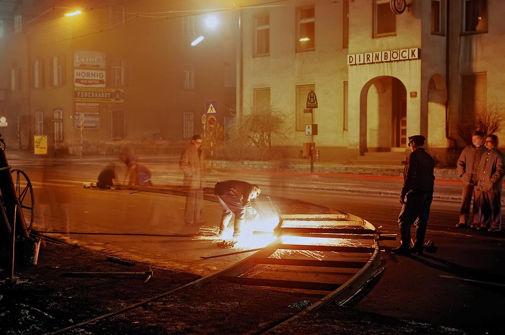 Die Auflegegleise werden installiert ©styria-mobile/Fotograf02 21/22.12.1977
