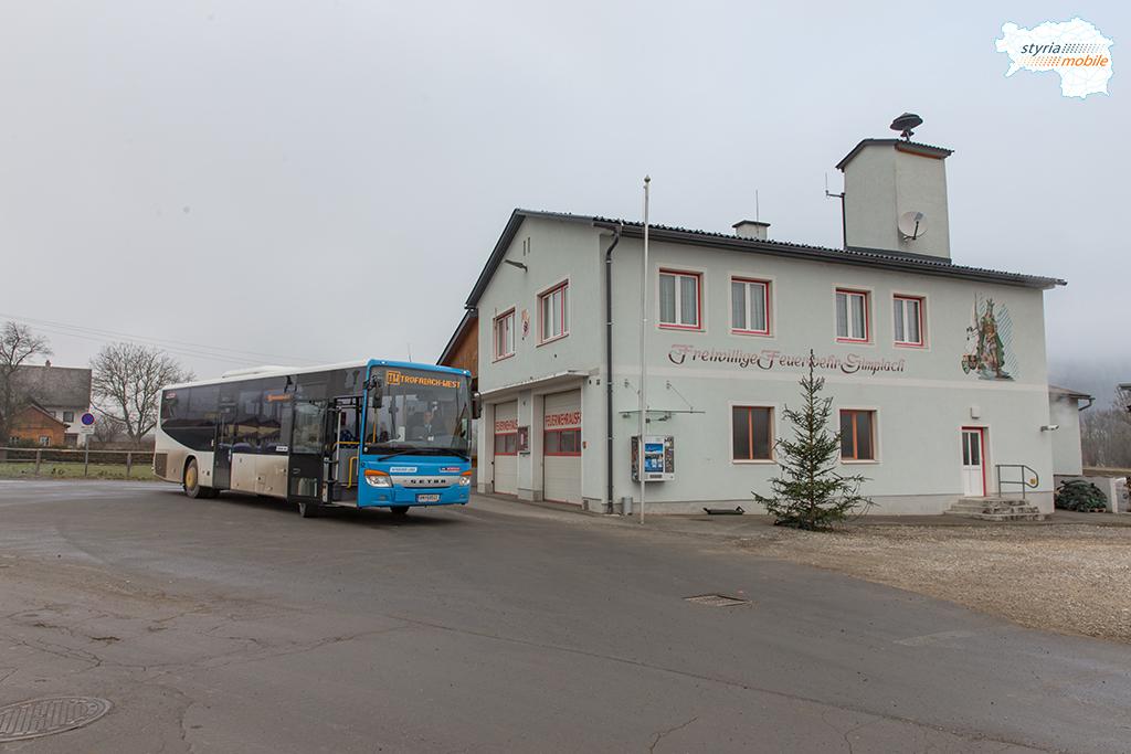Buslinie TW bei der Endhaltestelle Gimplach-Feuerwehr, 25.11.2016